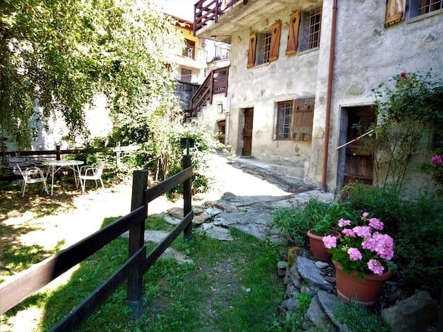 Casa con giardino in montagna | chalet&garden