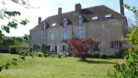 Maison avec jardin clos proche de la Loire