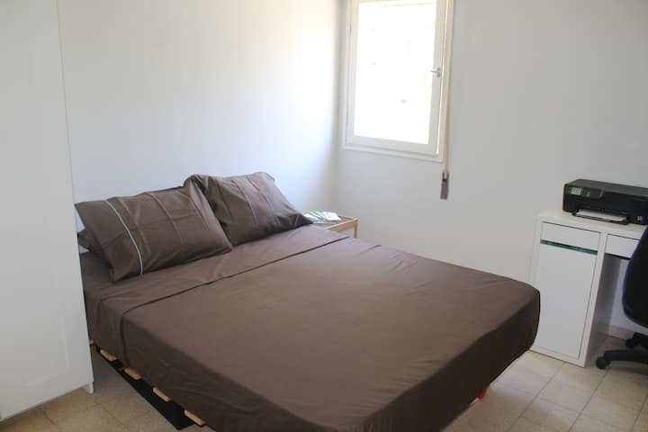Private Bedroom Holon Tel Aviv