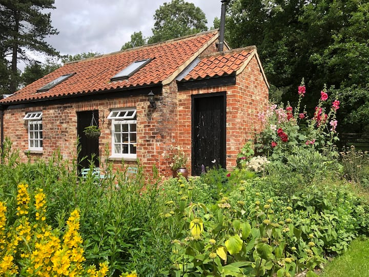 The Salt House Cottage, Pilmoor