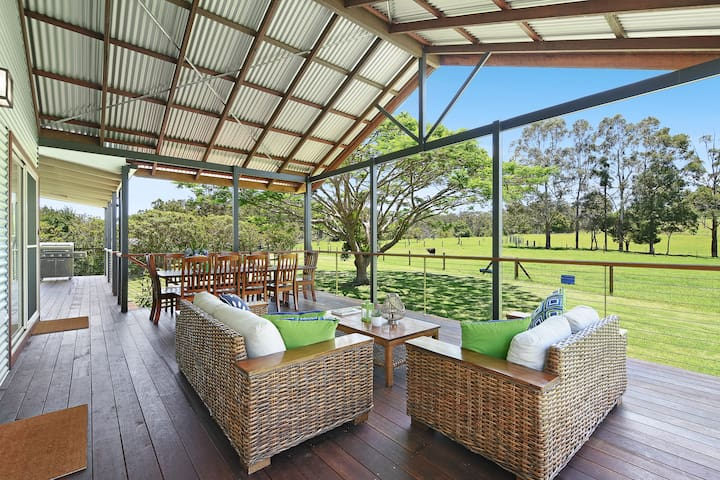 Maleny, luxurious tranquility at Curra Homestead.