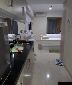 Apt Cozy, strategis,fasilitas hotel - Semarang - Apartament