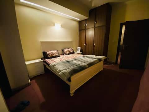 Spacious 1 BR Apartment