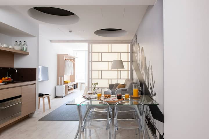 Central Located Minimalist Designed Aparment