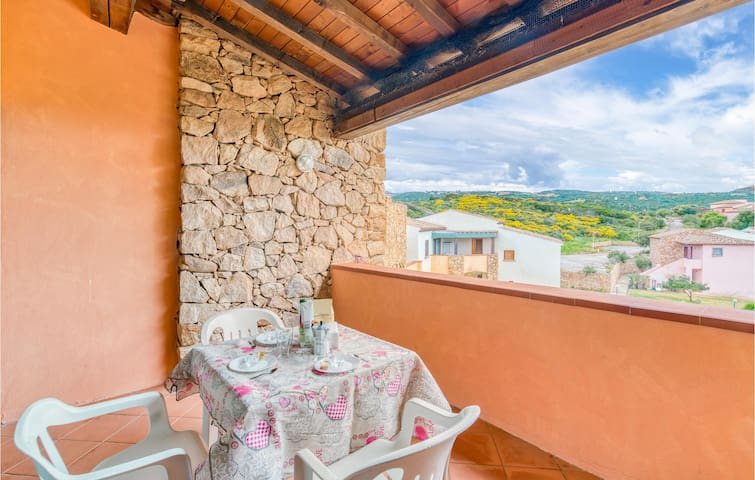 Holiday apartment with 2 bedrooms on 50m² in Isola Rossa