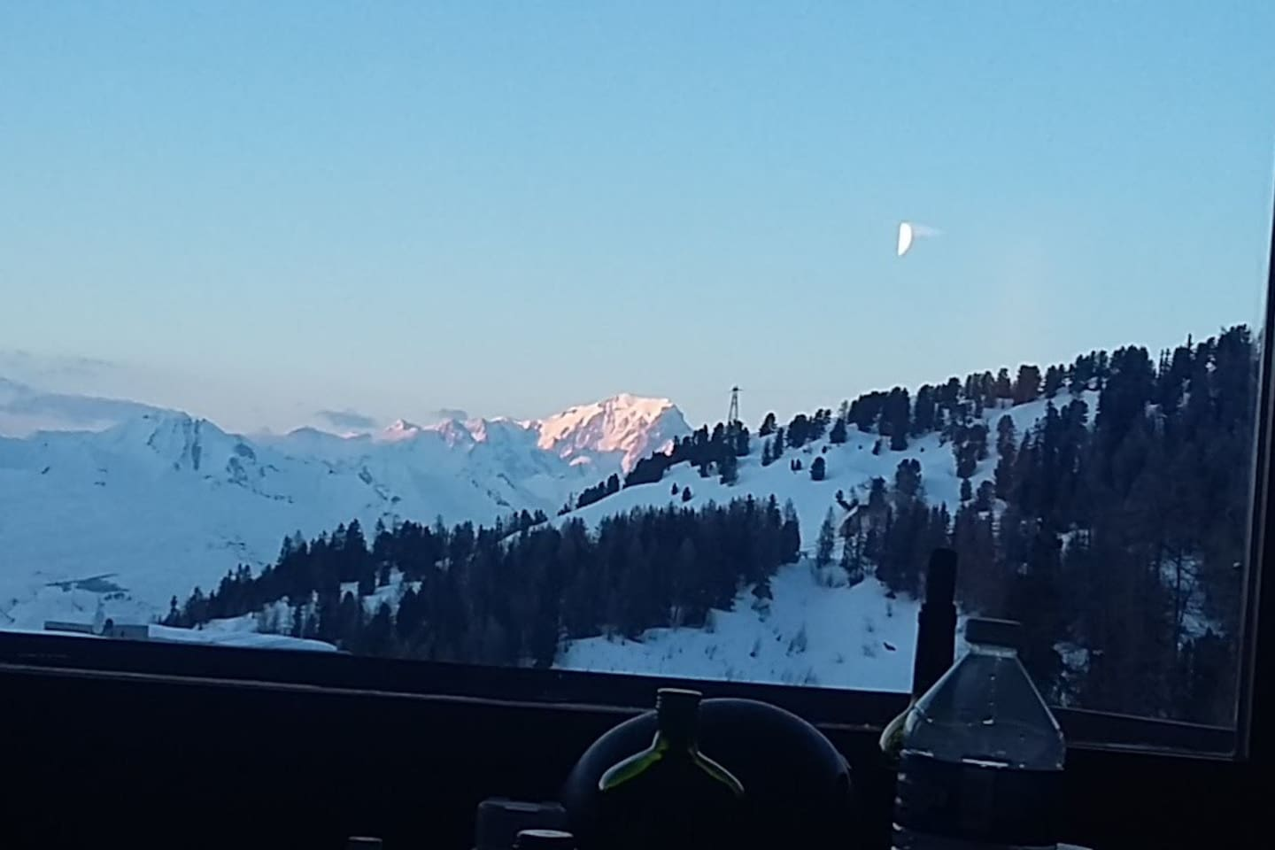 Studio with beautiful views of Mont Blanc