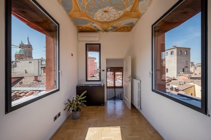 Esclusivo appartamento con torre / altana