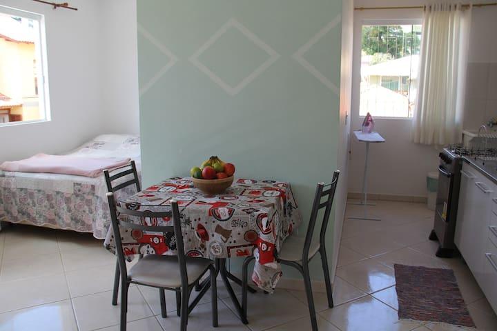 Studio próximo a UDESC - Itacorubi - Florianópolis - Appartement