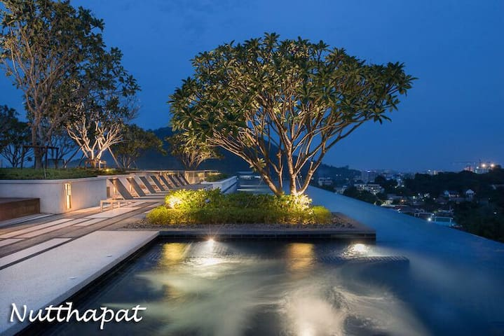Luxury room & Roof top pool with Phuket city view - Phuket - Leilighet