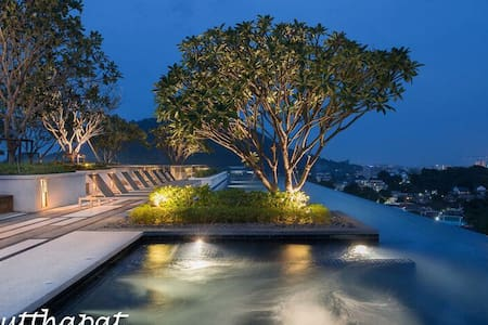 Luxury room & Roof top pool with Phuket city view - Phuket - Departamento