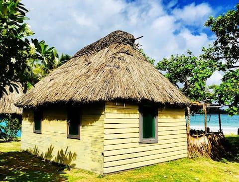 _THE YELLOW BEACH HOUSE  in MALAKATI VILLAGE_