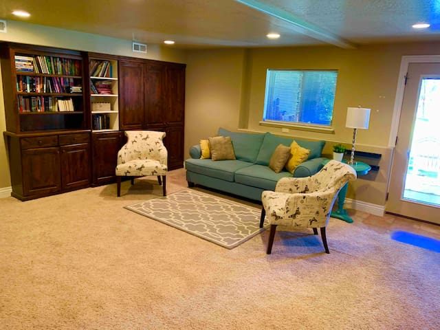 Full Service AirBnB Basement in Midway, Utah