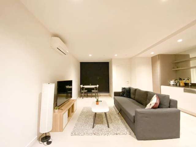 Abbotsford modern and cozy 1br apartment