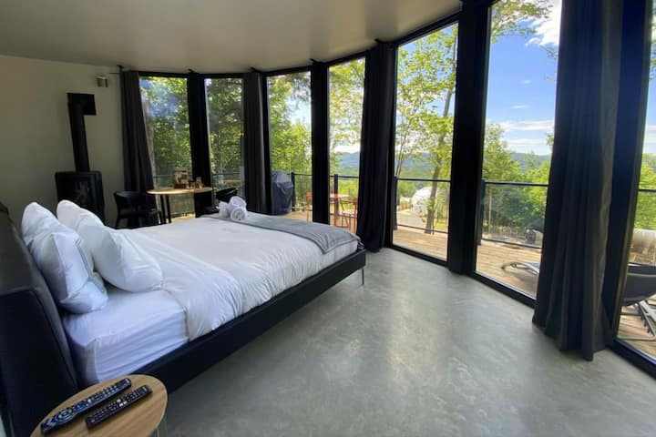 Lux Pod Bel Air Tremblant for 2 people, hot tub