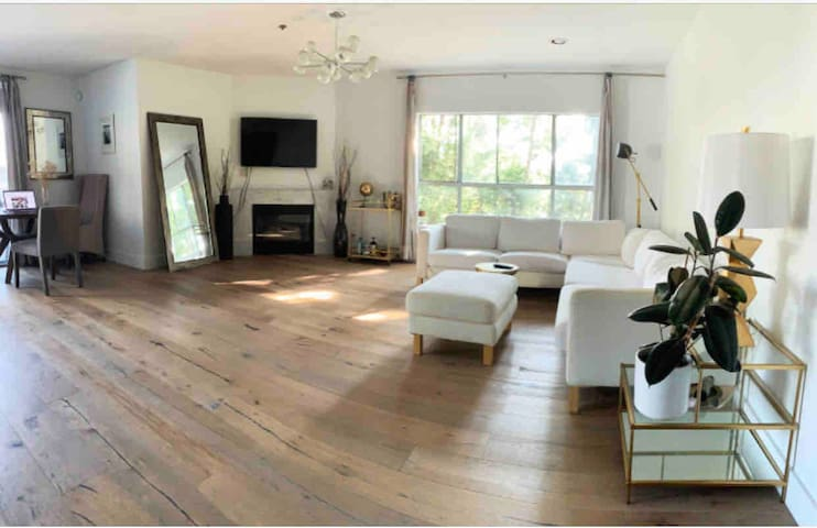Pool + Private Bath +Best Patio in Weho/ Bev Hills