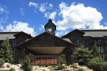 Views of Jordanelle/near Park City/pool/sleeps 2+ - Heber City - Kondominium