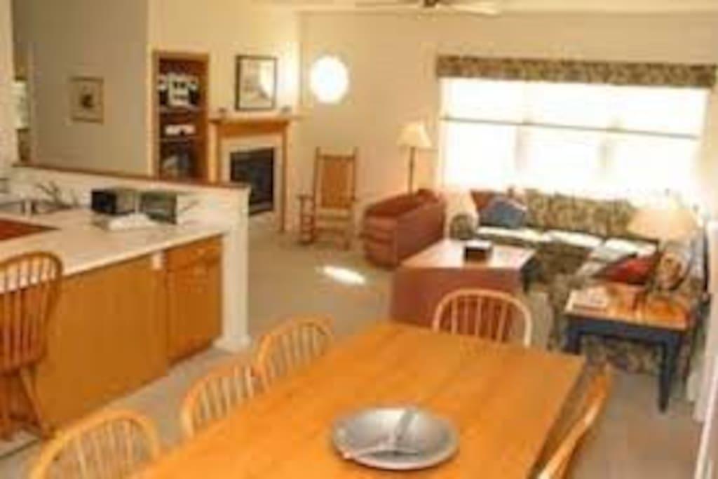 Open plan kitchen/living/dining