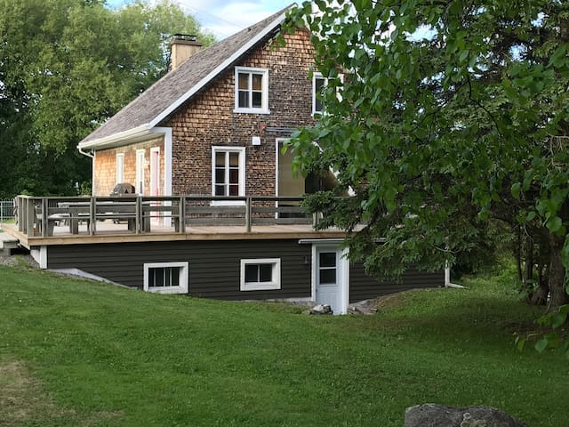 Live in nature near Mont Sainte Anne resort