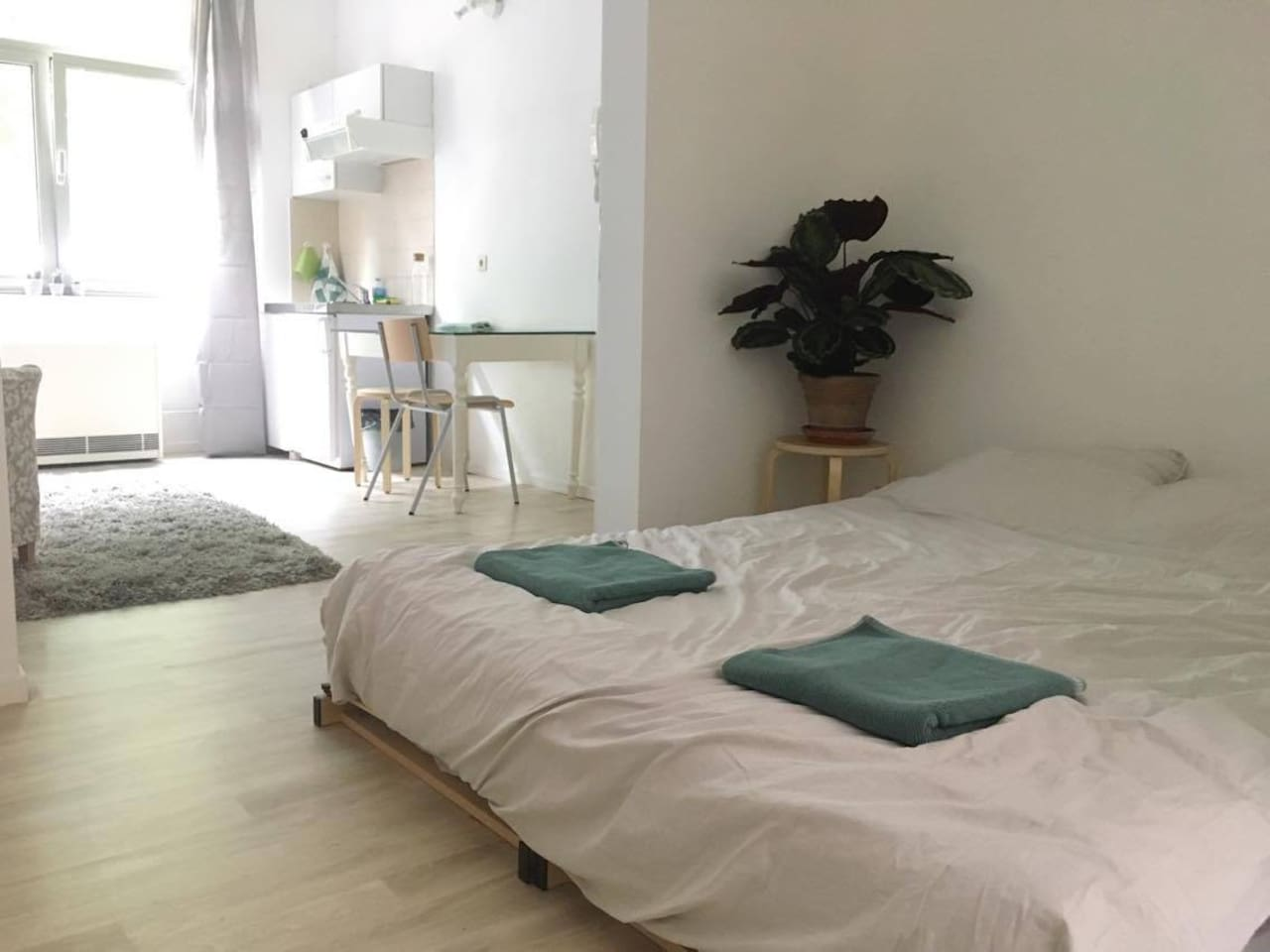Sleeping area - I'm happy to provide sheets and towels