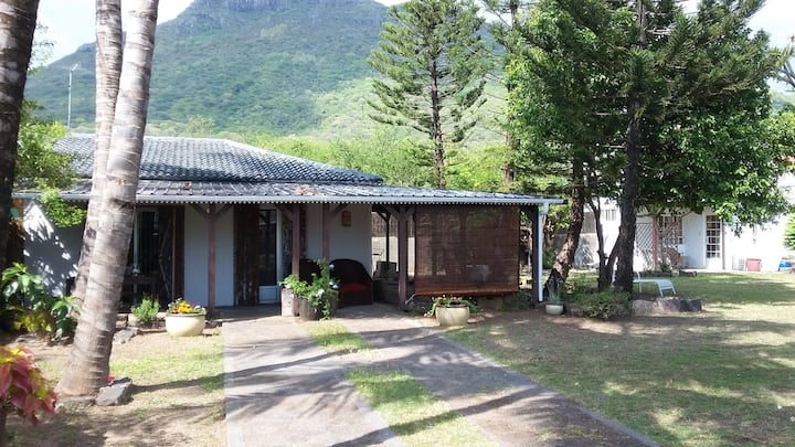 Bungalow 2 chambres à 60M de la plage La Preneuse