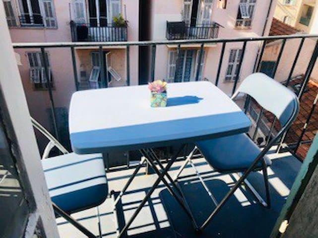 Très beau studio au centre de Nice