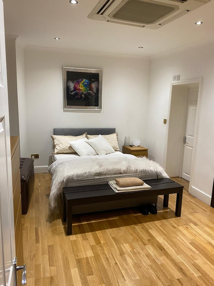 NOISE FRIENDLY 1 bed apartment in central London