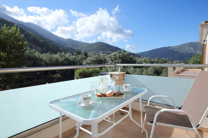 Villa Ligero With Amazing Mountain And Valley View