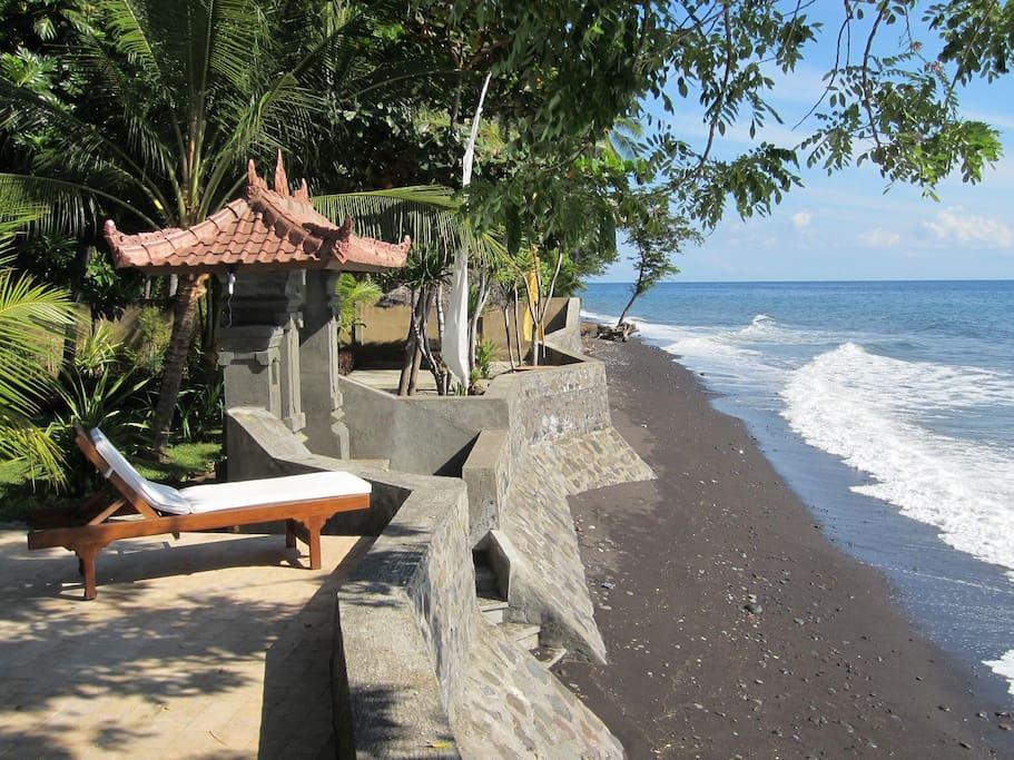 villa selina luxus villa zimmer bed breakfasts zur miete in tejakula bali indonesien. Black Bedroom Furniture Sets. Home Design Ideas