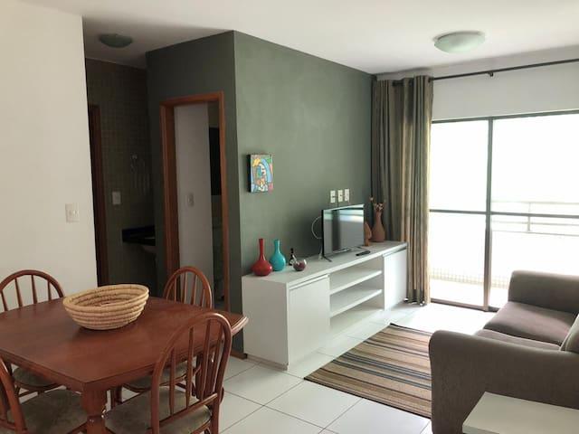 Ótimo apartamento de 2 quartos, a passos da praia