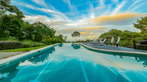 Jungle Villa~Honeymoon Privacy~Infinity Pool~View