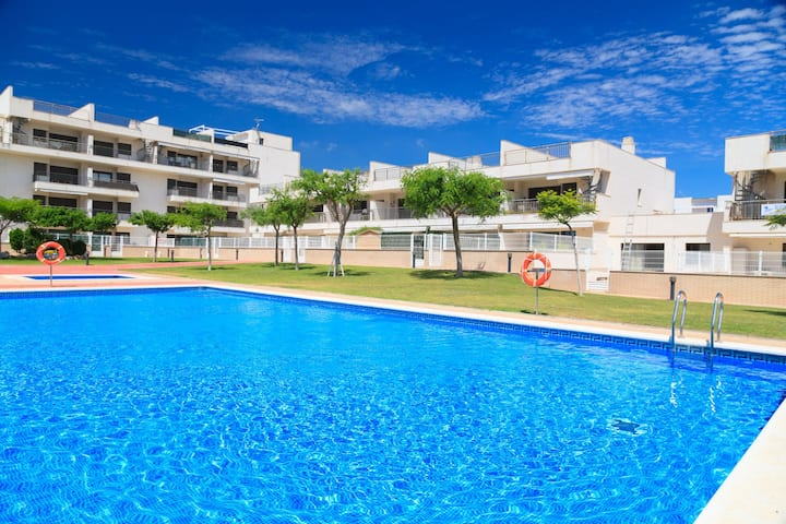 Family Apartment with Pool · AirCon · Parking · UHC LAS DUNAS 178