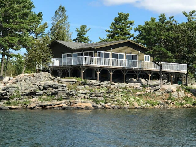 Georgian Bay Cottage with Open Water Views.