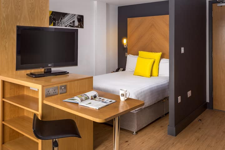 Stylish Serviced Apartment in Leeds