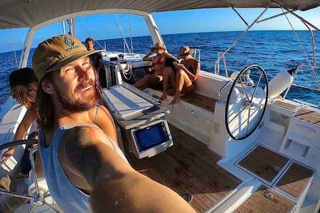 Luxury 2019 Beneteau Oceanis 48' all to yourself