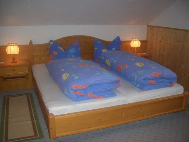 Willmannshof, (Furtwangen), Ferienwohnung Feldbergblick, 56qm, 2 Schlafzimmer, max. 5 Personen