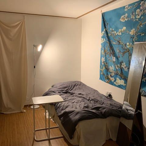 [챔룸🏠] 강남과 홍대 사이, 혼자 머물기 좋은 편안하고 깨끗한 집 :) 자가격리x