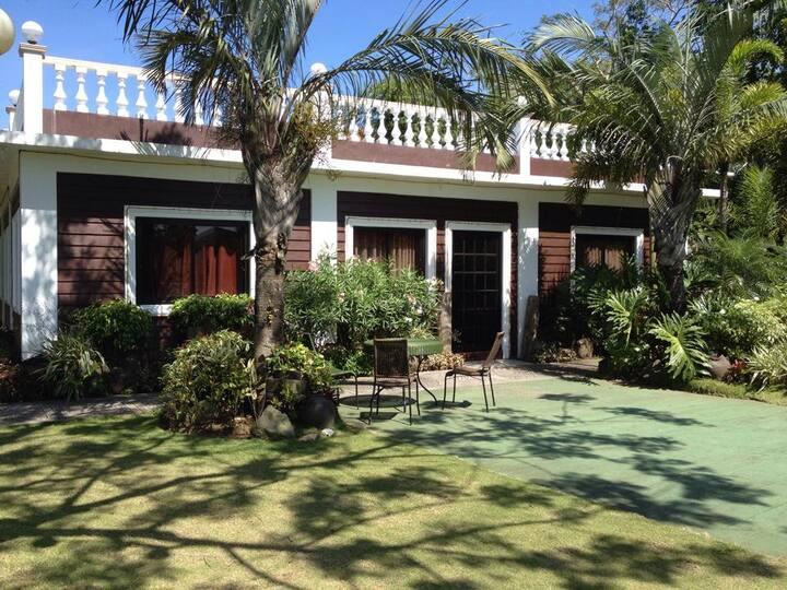Le Pavillon, Le Jardin Rosella Events Place