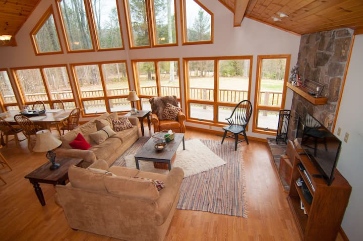 Buck`s Branch - Air Conditioning, Fire Pit, Dog Friendly, Short Drive to Two Ski Areas & Two State Parks
