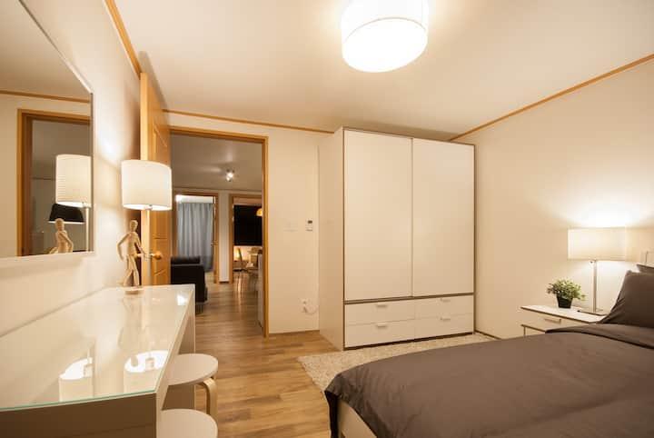 NEW large luxury apartmt @ Hongdae!