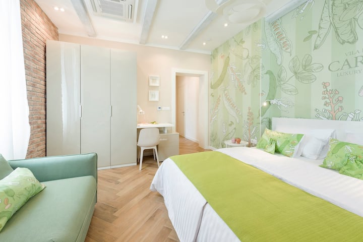 Mak Luxury Rooms-Carob Room