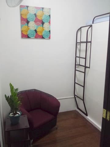 Cute Little Loft near Ayala Circuit Mall Makati