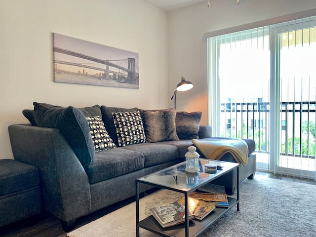 All the Comforts & Convenience in *Central Tampa*