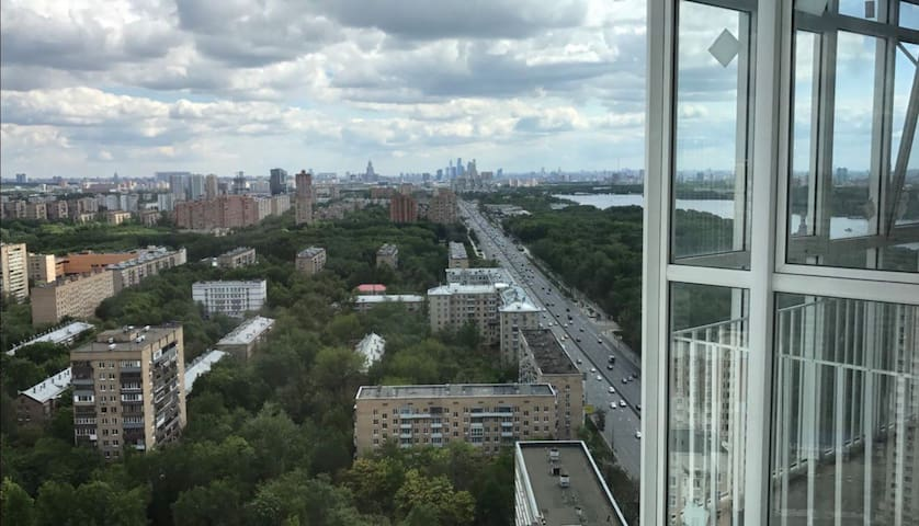 Moscow River Stunning View Humble Apartment