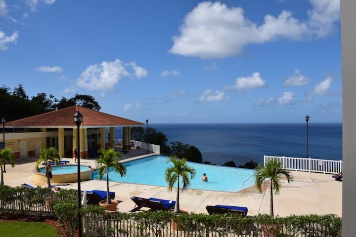 Paridise views by ACE. Apt above infinity pool - Aguadilla Pueblo