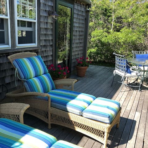 Prvt Cottage near beach, biking, bus - NO CAR NEC!