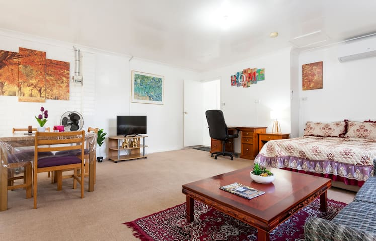 Private apartment at Cherrybrook