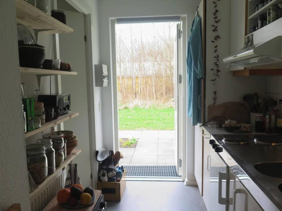 Køkken + udgang