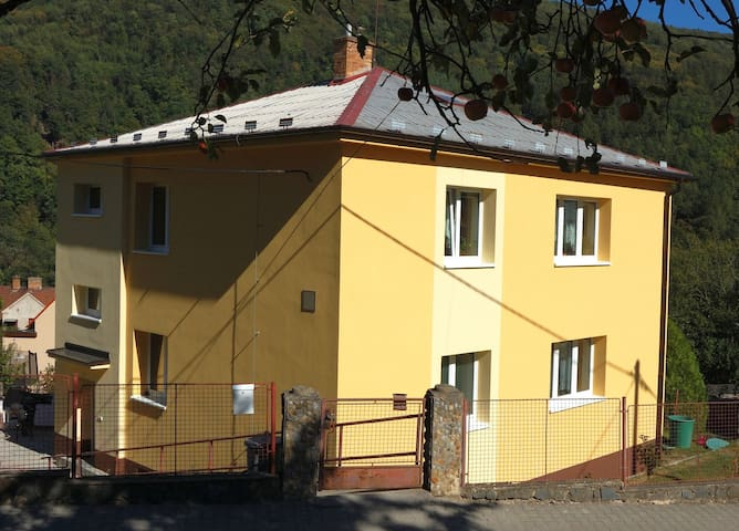 An equipped flat near Brno - Adamov - Apartamento