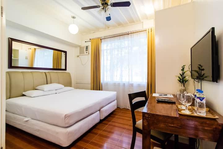 Fresh, clean rooms at Makati Riverside Inn