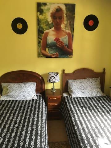 Habita 2 cama 10 min de la Catedral - Oviedo - Huis